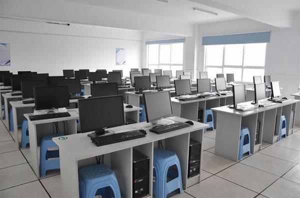 省直电大绿城学习中心机房1
